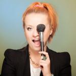 Katarzyna Mitrut-Pyśniak – dyplomowana wizażystka, trener wizerunkowy, pasjonatka stylizacji i sesji zdjęciowych. Katarzyna Mitrut Make-up & Stylizacja